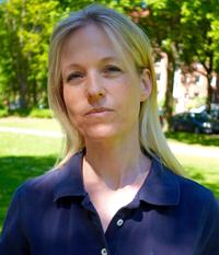 Dr. med. dent. Sabine Knak Fachzahnärztin für Kieferorthopädie (Zahnärztekammer Schleswig-Holstein) Buch: Praxisleitfaden Kieferorthopädie (© Sabine Knak 2003, Urban & Fischer Verlag)